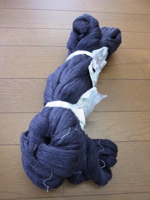 関絹織物の糸