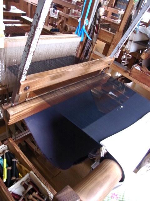 関絹織物の手機