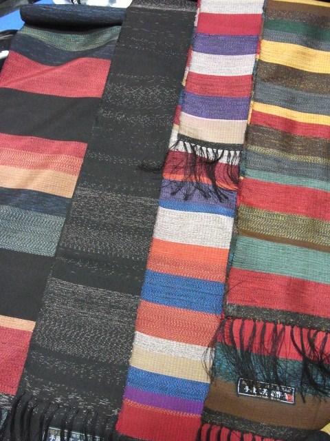関絹織物 手織大島紬ショール